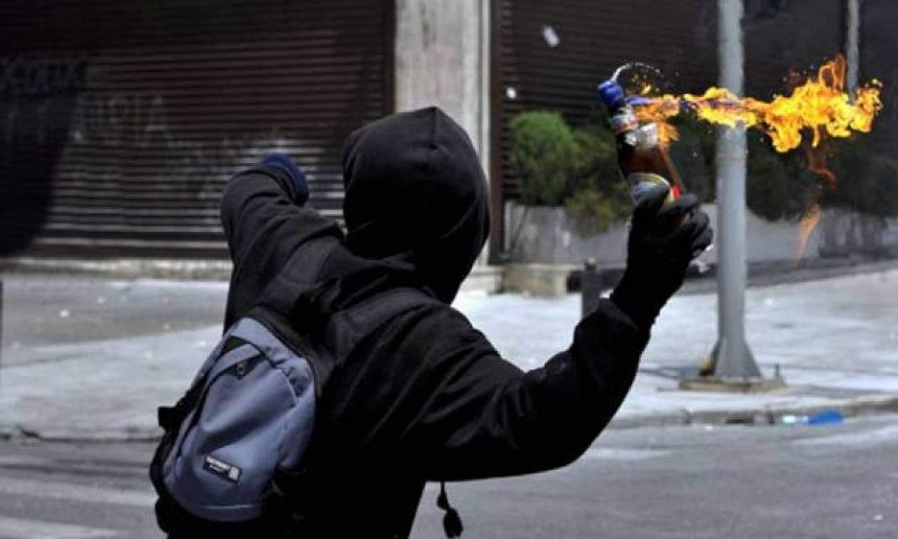 Θεσσαλονίκη: Βόμβες μολότοφ ξεσήκωσαν μια γειτονιά