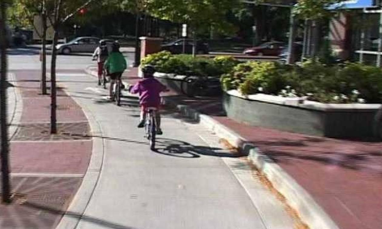 Κλήση για ποδήλατο εκτός αν… το πάρεις στο χέρι!