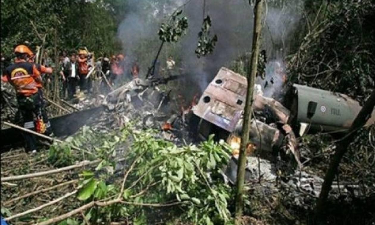 Συντριβή ελικοπτέρου στην Ινδονησία - Νεκρός ο πιλότος