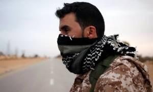 Σφοδρή επίθεση και ανακατάληψη σημαντικής αεροπορικής βάσης από το ISIS στη Λιβύη