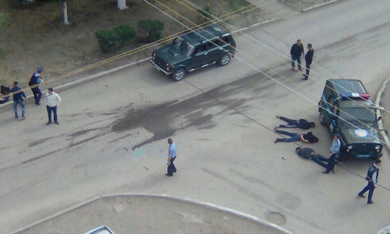 Τρόμος στο Καζακστάν: Δεκάδες άτομα άνοιξαν πυρ κατά της αστυνομίας - Κρατούν ομήρους (Pics & Vid)