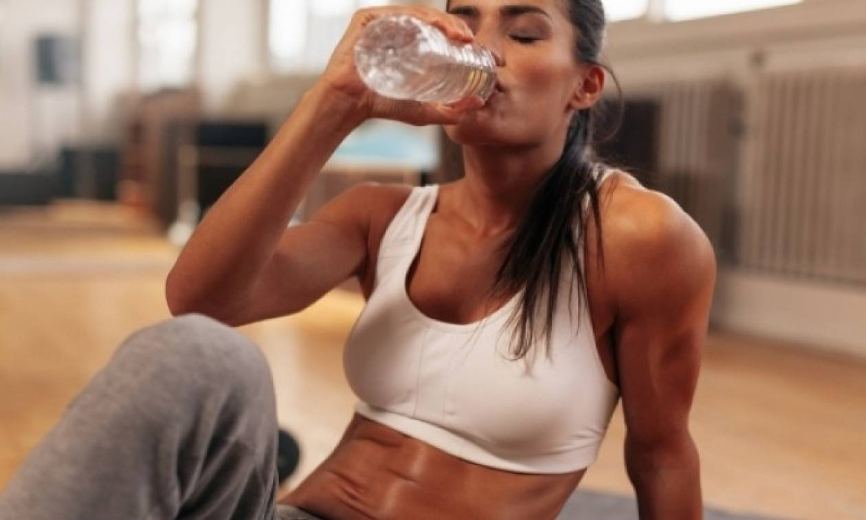 Νερό & γυμναστική: Πόσο να πίνετε πριν, μετά και κατά τη διάρκεια