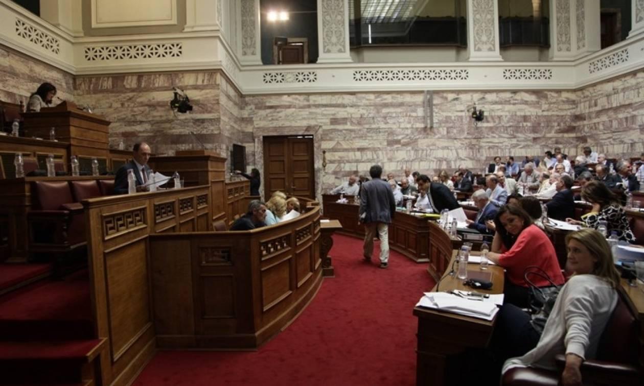 «Κόλαση» ξανά η Βουλή: Ποιος φώναζε «άντε γ@μ... βλάχο»;