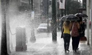 Προβλήματα από τη σφοδρή καταιγίδα στην Αττική