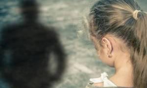 Δραπετσώνα: Προφυλακιστέος ο «δράκος με το ποδήλατο» που ασέλγησε σε 27 μαθήτριες