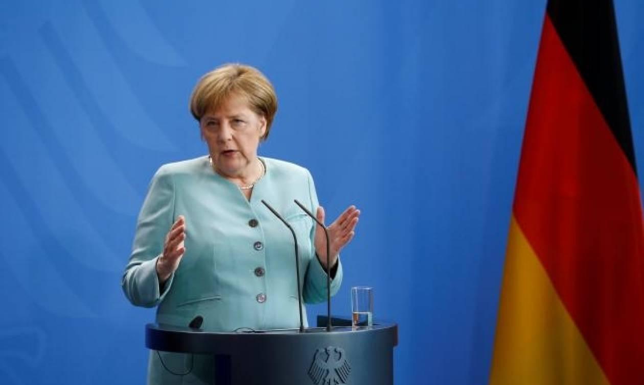 Μέρκελ: Οι τουρκικές κατηγορίες εναντίον των Γερμανών βουλευτών είναι ακατανόητες