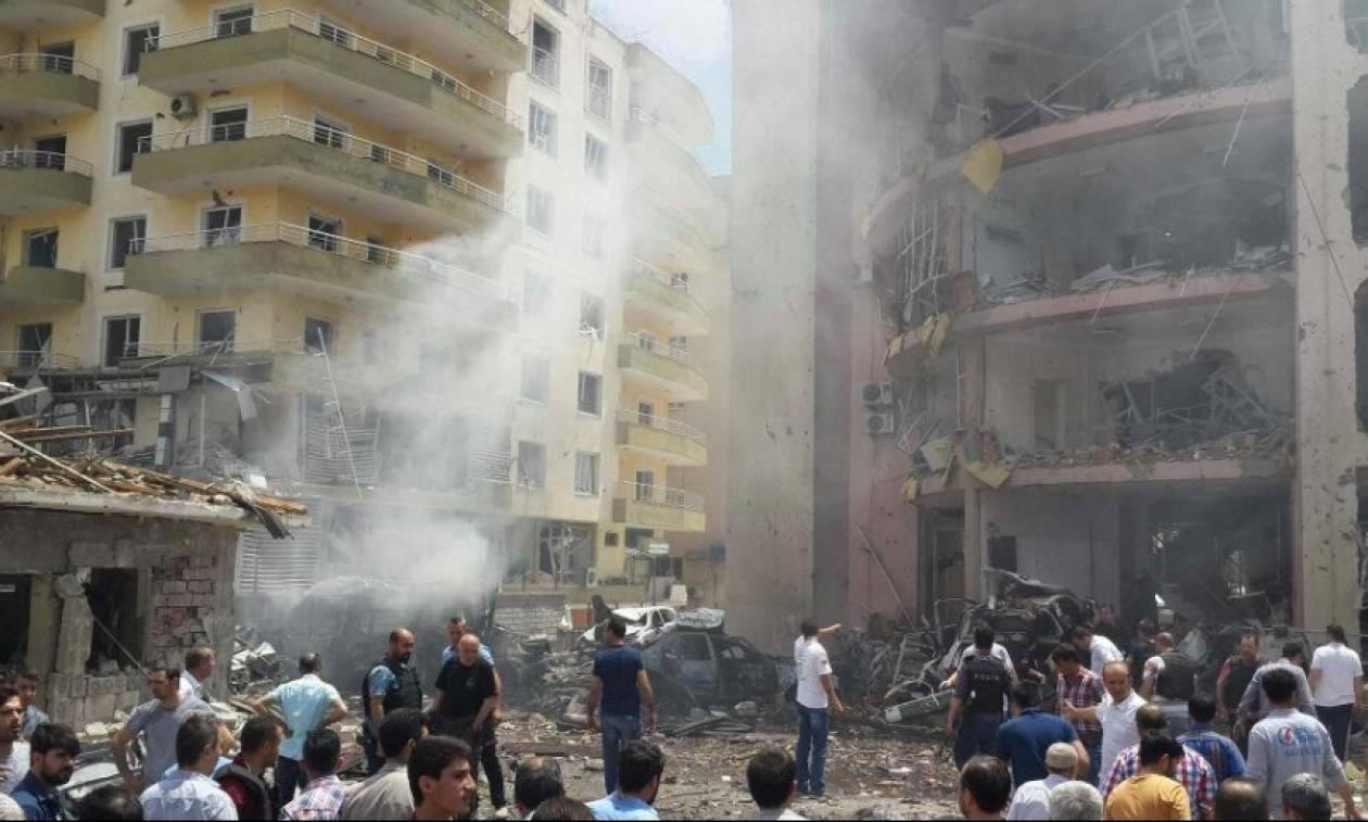 Βομβιστική επίθεση στην Τουρκία: Χάος τη στιγμή της έκρηξης (video)