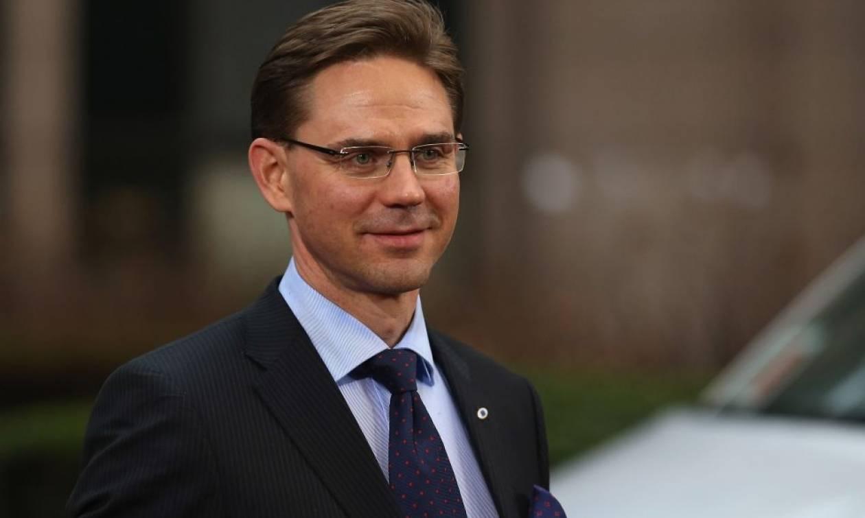 «Αδειάζει» Έλληνες υπουργούς ο Κατάινεν: Δεν ενδιαφέρονται για το πακέτο Γιούνκερ!