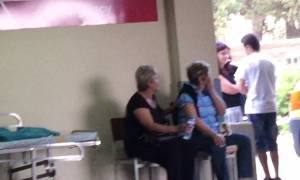 Παναγιώτης Μαυρίκος: Ο σπαραγμός της μάνας έξω από το νοσοκομείο - «Σε φάγανε Τάκη μου, σε φάγανε»