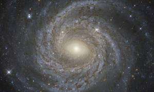 Για πρώτη φορά επιστήμονες παρατηρούν με τι «τρέφονται» οι μαύρες τρύπες