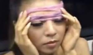 Γιατί όλες οι νέες γυναίκες φορούν προφυλακτικά στο μετρό; (video+photos)