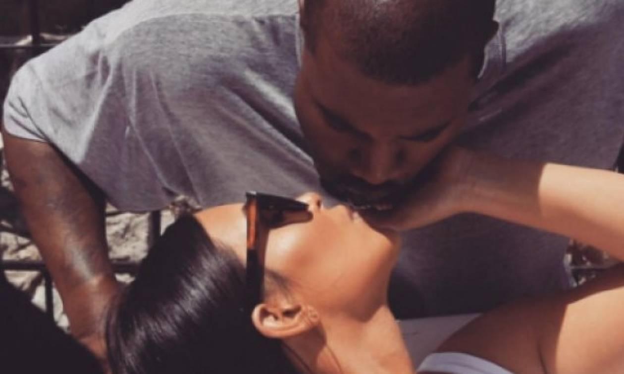Kim Kardashian: Ποζάρει μόνο με το μαγιό της και βάζει «φωτιά» στο Instagram