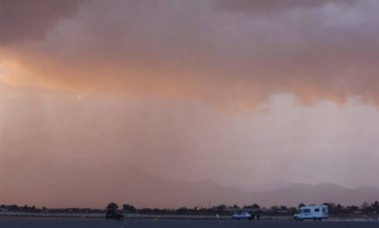 Το καλοκαίρι αγνοείται: Ραγδαία επιδείνωση του καιρού με καταιγίδες και πτώση της θερμοκρασίας