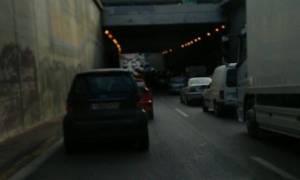 Κυκλοφοριακό «έμφραγμα» στην Εθνική Αθηνών – Λαμίας λόγω των κινητοποιήσεων των ΜΜΜ