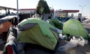 Πολύκαστρο: Σε εξέλιξη επιχείρηση εκκένωσης του καταυλισμού στο βενζινάδικο