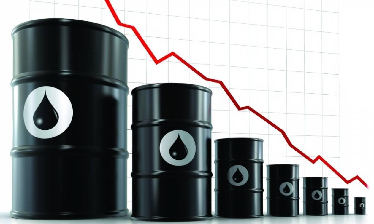 Ανησυχεί η ΕΚΤ από τη «βουτιά» στις τιμές του πετρελαίου