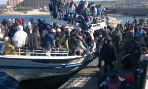 Δείτε πόσους πρόσφυγες «περιμένει» φέτος η Ευρώπη - Χιλιάδες διασώσεις μεταναστών νότια της Σικελίας