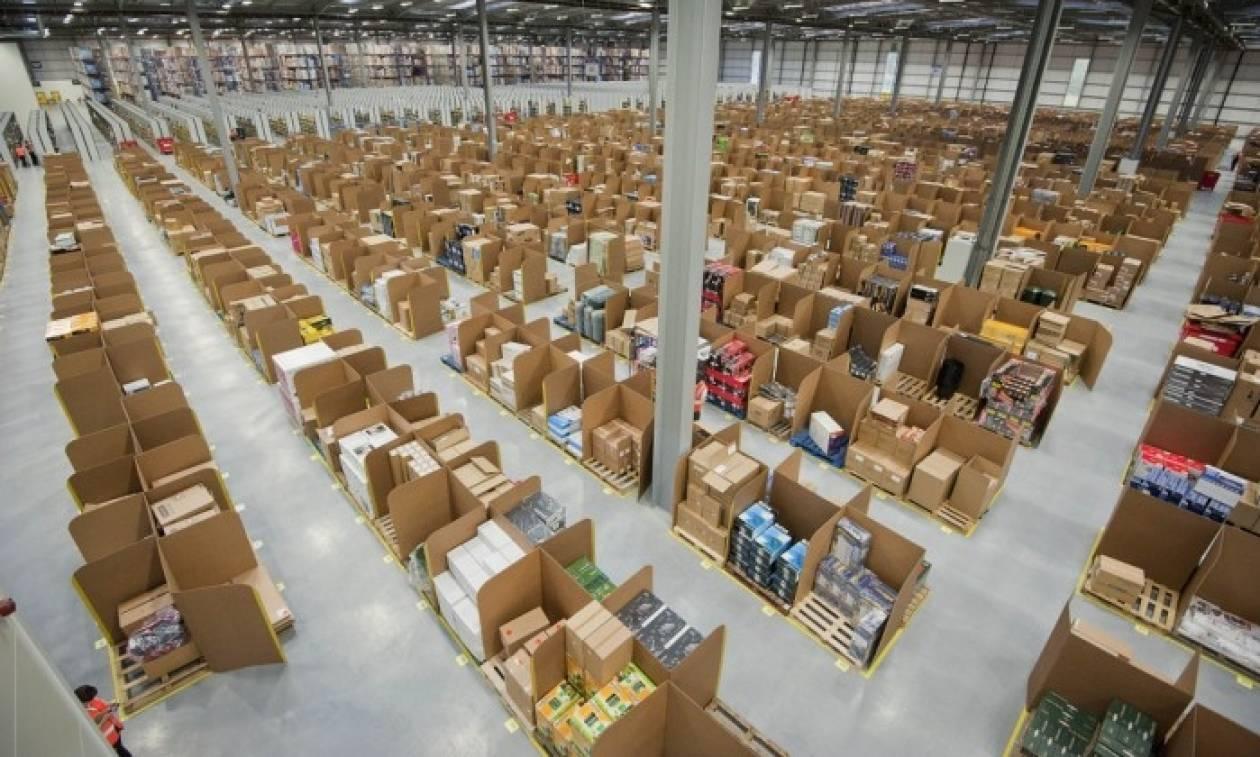 Ακριβότερες - και 5 φορές - οι χρεώσεις από φορείς ταχυδρομικών υπηρεσιών