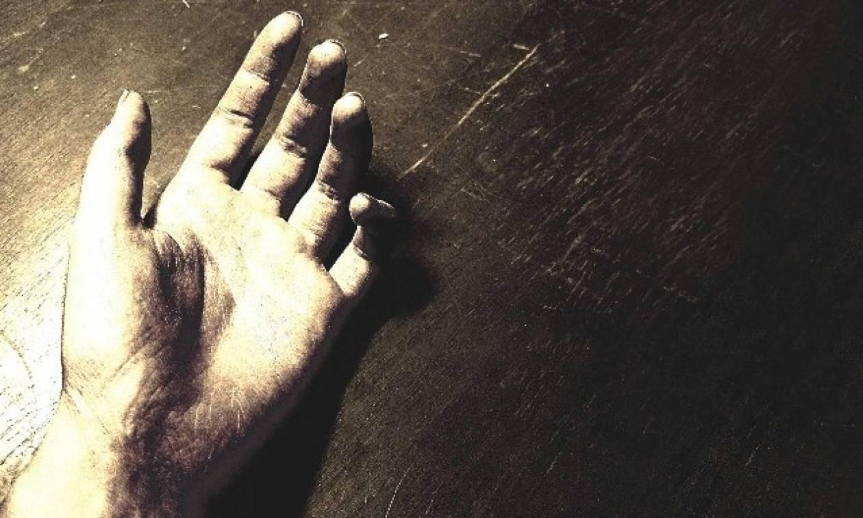 Φρίκη στην Κρήτη - Ζήτησε από την αδερφή του να προσέχει τα παιδιά του κι αυτοκτόνησε