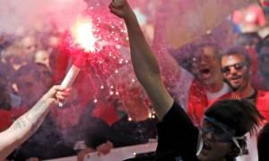 Χάος στο Παρίσι: Νέα επεισόδια μεταξύ διαδηλωτών και αστυνομίας (pics+vid)