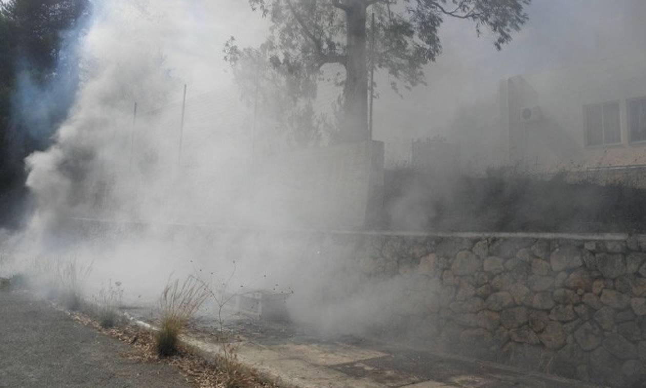 Συναγερμός στα Χανιά: Μεγάλη πυρκαγιά στο παλιό ψυχιατρείο της πόλης (pics)