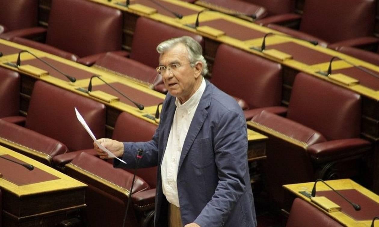 Βουλευτής του ΣΥΡΙΖΑ απειλεί να ρίξει την κυβέρνηση