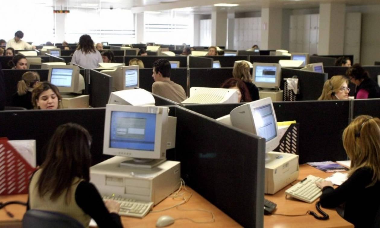 Αύξηση της μισθωτής απασχόλησης «βλέπει» το Υπουργείο Εργασίας