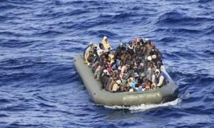 Ολλανδικό πλοίο διέσωσε 200 μετανάστες από μισοβυθισμένο πλοιάριο στη Μεσόγειο