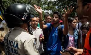 Βενεζουέλα: 400 συλλήψεις μετά τις ταραχές και το πλιάτσικο σε τρόφιμα (Vid)