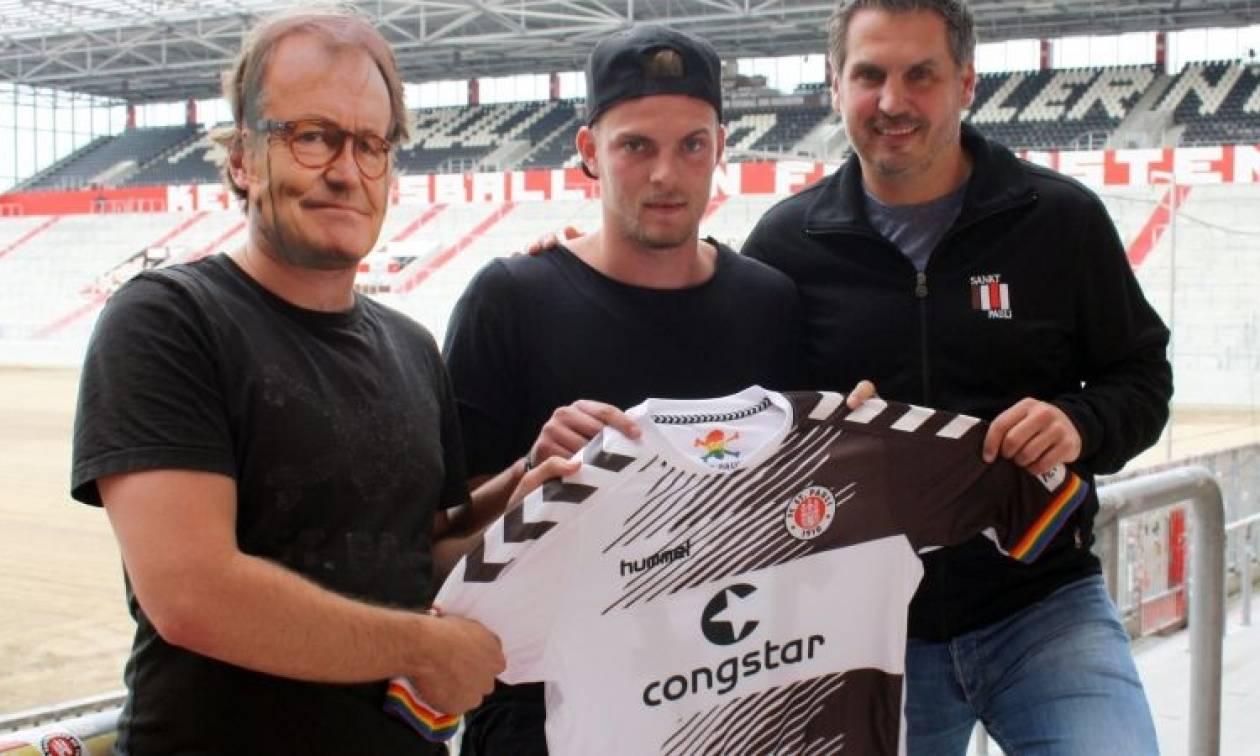 Απίστευτο: Η St. Pauli αντικαθιστά τον μάνατζερ της ομάδας με έναν άγνωστο άνδρα με μάσκα (Pics)