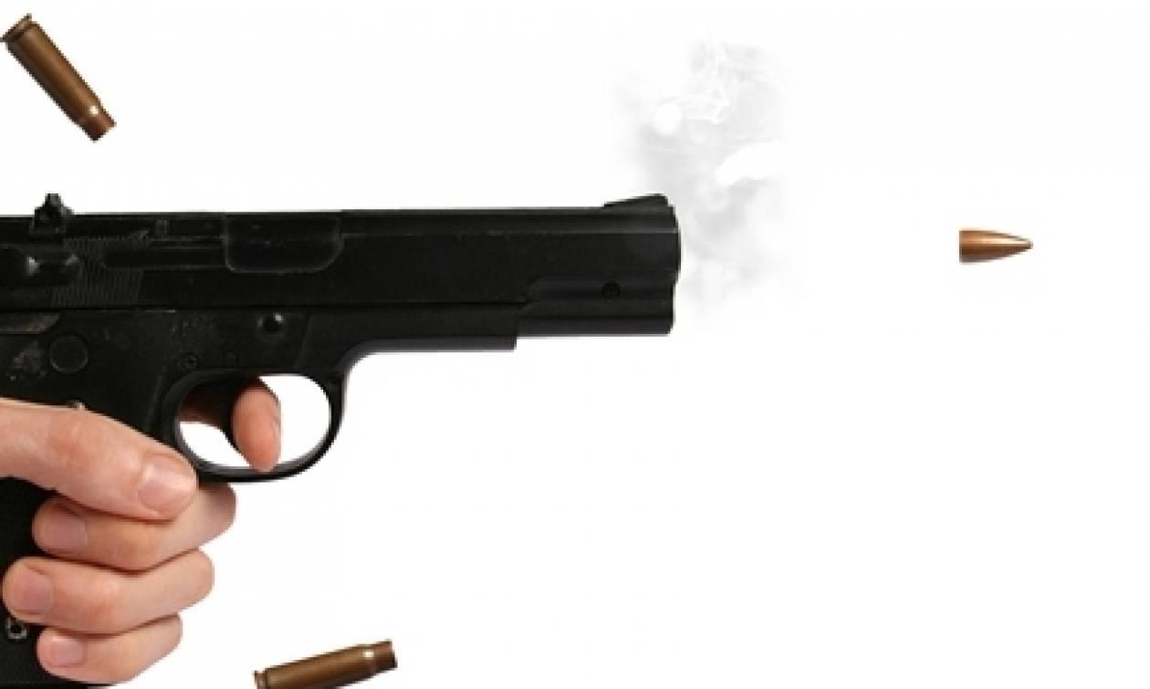 Αγρίνιο: Έβγαλε το περίστροφο πάνω στον καυγά και πυροβόλησε τον αδερφό του