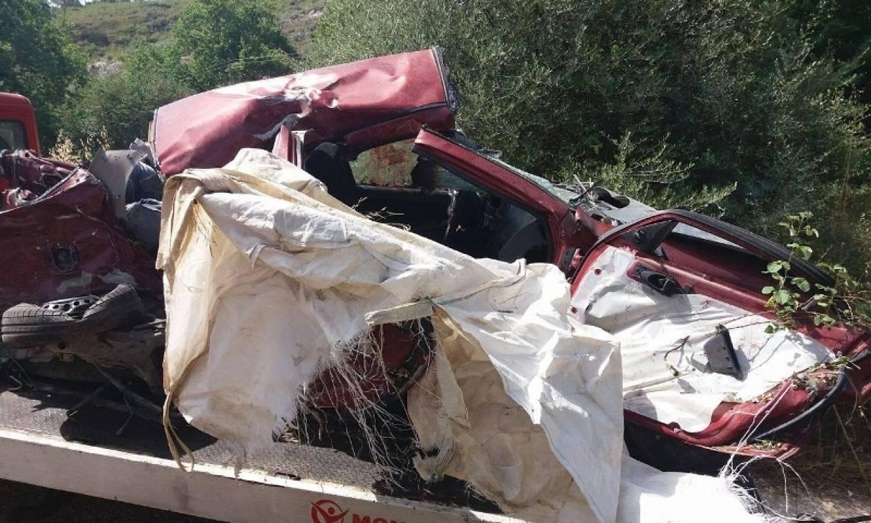 Κόρινθος: Ανείπωτη τραγωδία στην άσφαλτο (photos)