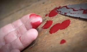 Σκηνές φρίκης στο Βόλο: Έδεσε μαχαίρι στο χέρι του και το κάρφωσε στο λαιμό του!