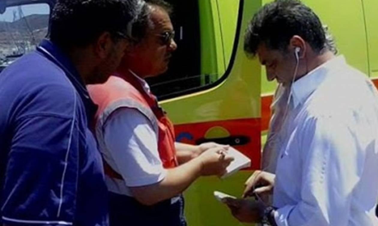 Πάρος: Δείτε τι έκανε ο δήμαρχος για να μην φύγει το ασθενοφόρο από το νησί