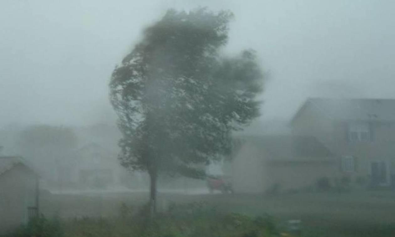 Φονικές καταιγίδες «σαρώνουν» την Πολωνία