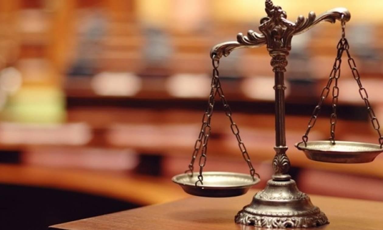 Πυρ ομαδόν κατά δηλώσεων Πολάκη από τις δικαστικές ενώσεις