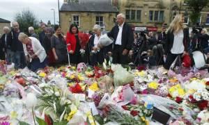 Δολοφονία Κοξ: «Θάνατος στους προδότες» από τον δράστη - Σοκ ακόμα στο Λονδίνο