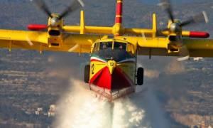 Τι βλέπει ένας πιλότος πυροσβεστικού Canadair (vid)