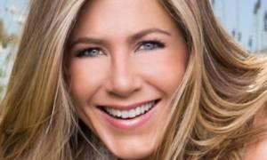 Έξαλλη η Jennifer Aniston! Κρύβει την κοιλιά της μετά τις φήμες περί εγκυμοσύνης