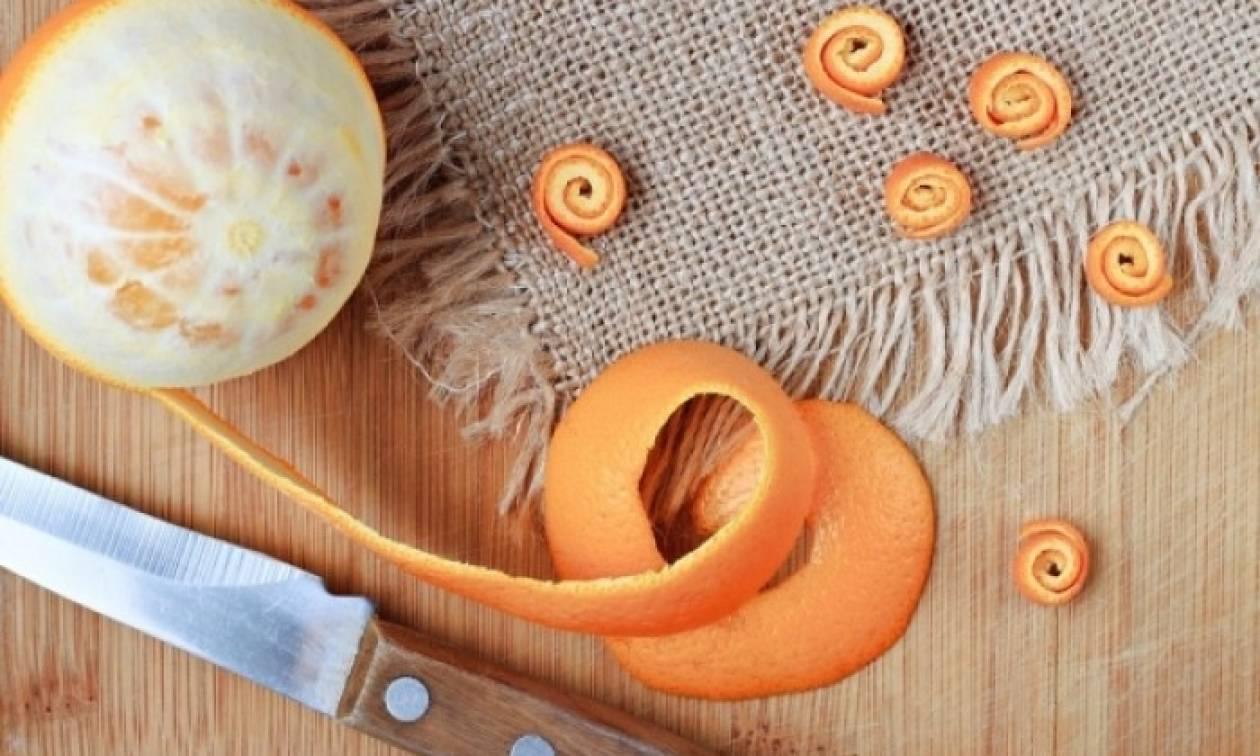Φλούδα πορτοκαλιού: Δύο έξυπνοι τρόποι να τη χρησιμοποιήσετε ως προϊόν ομορφιάς