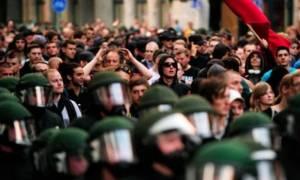 «Χέρι-Χέρι κατά του Ρατσισμού»:  Χιλιάδες άνθρωποι διαδήλωσαν σε πόλεις της Γερμανίας