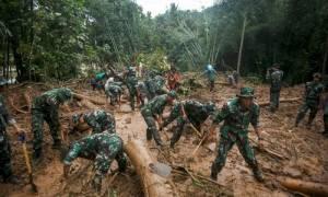 Ινδονησία: Τουλάχιστον 43 νεκροί και 19 αγνοούμενοι από πλημμύρες στην Κεντρική Ιάβα (Pics & Vid)