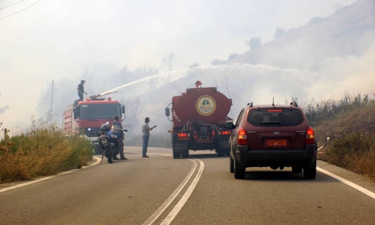 Συναγερμός για φωτιά στον Βαρνάβα Αττικής - Μεγάλες δυνάμεις επιχειρούν για την κατάσβεσή της