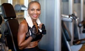Αυτή είναι η πιο γυμνασμένη γιαγιά στον κόσμο - Γιορτάζει τα 80ά της γενέθλια! (pics)