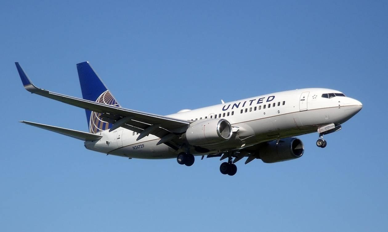 Απίστευτο θρίλερ στον αέρα πάνω από τη Μύκονο: Χάος και λιποθυμίες σε αεροπλάνο της United Airlines!
