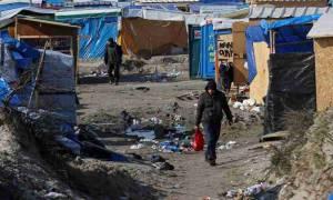 Γαλλία: Συγκρούσεις μεταξύ μεταναστών και αστυνομικών στη «Ζούγκλα» του Καλαί