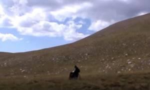 Δεν μπόρεσε να πάει με τα πόδια στην κορυφή του Ολύμπου - Θα το επιχειρήσει με αναπηρικό αμαξίδιο
