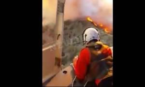 Φωτιά – Κύπρος: Απίστευτα πλάνα από ελικόπτερο την ώρα της δράσης (video)