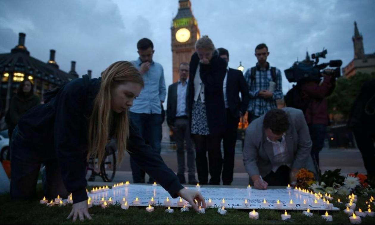 Τζο Κοξ: Σήμερα θα γινόταν 42 ετών - Εκδηλώσεις στη μνήμη της σε όλο τον κόσμο