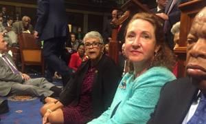 ΗΠΑ: Καθιστική διαμαρτυρία βουλευτών στο Κογκρέσο για την οπλοκατοχή
